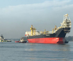 FPSO positioning, heading control & hook-up