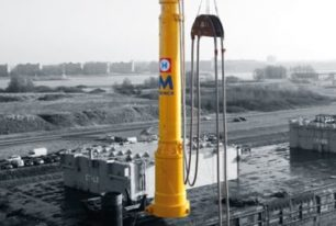 MENCK provides world's largest hydraulic hammer for Sandbank wind farm construction