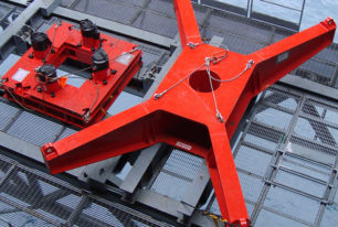 Riser conductor tension systems