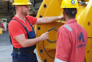 Training: MENCK equipment, pile driving, hydraulic power systems