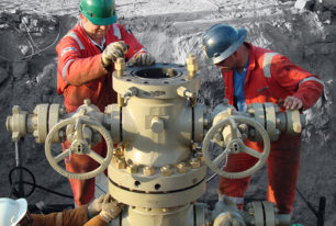 Wellhead workover replacement and maintenance services